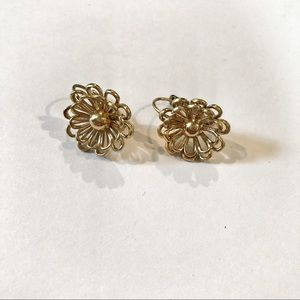 Jewelry - Good Flower Earrings